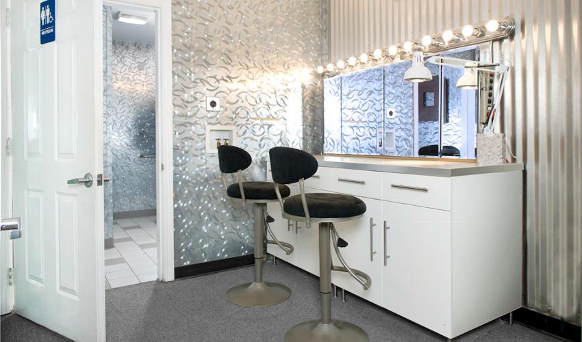 Make-up Room   4th Street Studios on Make Up Room  id=48719